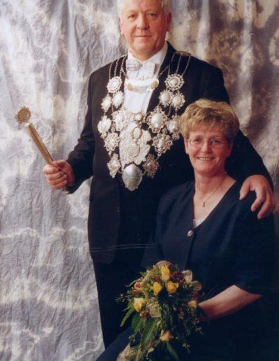 2000 – Josef IX. (Kindgen) und Königin Rita